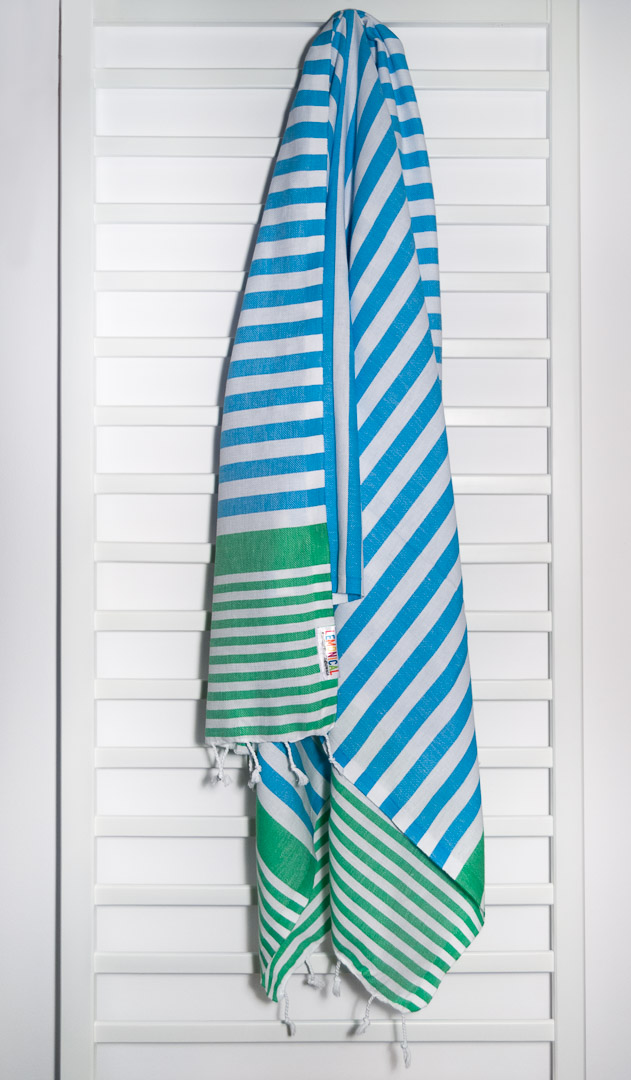 PEACOCK Lemonical Beach Towel