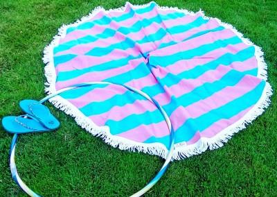 Bubble Gum Roundie enjoying Hula Looping