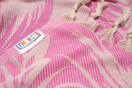 PINK FEATHER-Towel-Lemonical-3