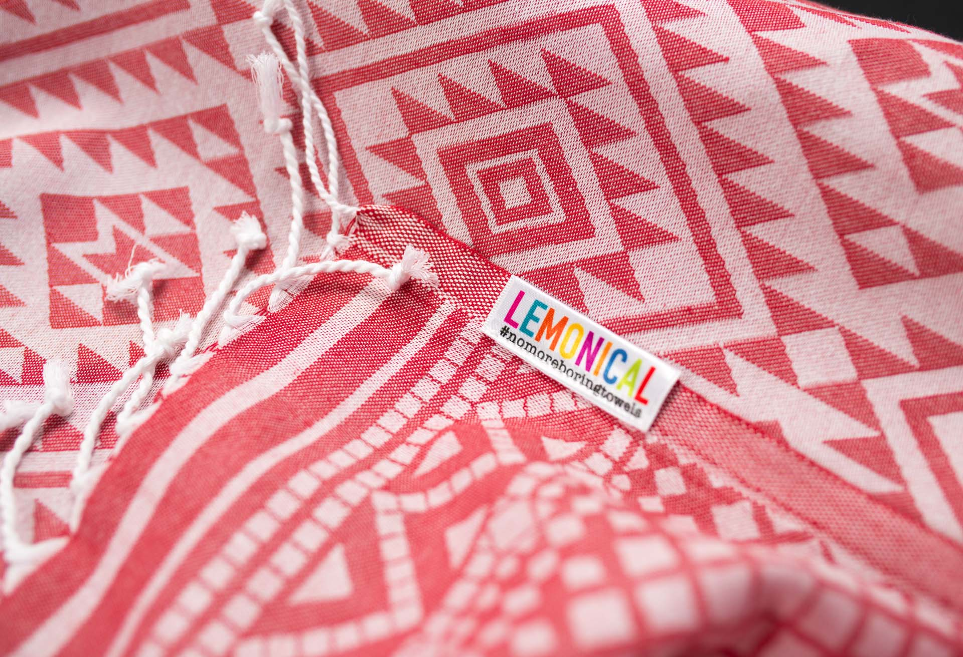 RED-ORIENT-Towel-Lemonical-3