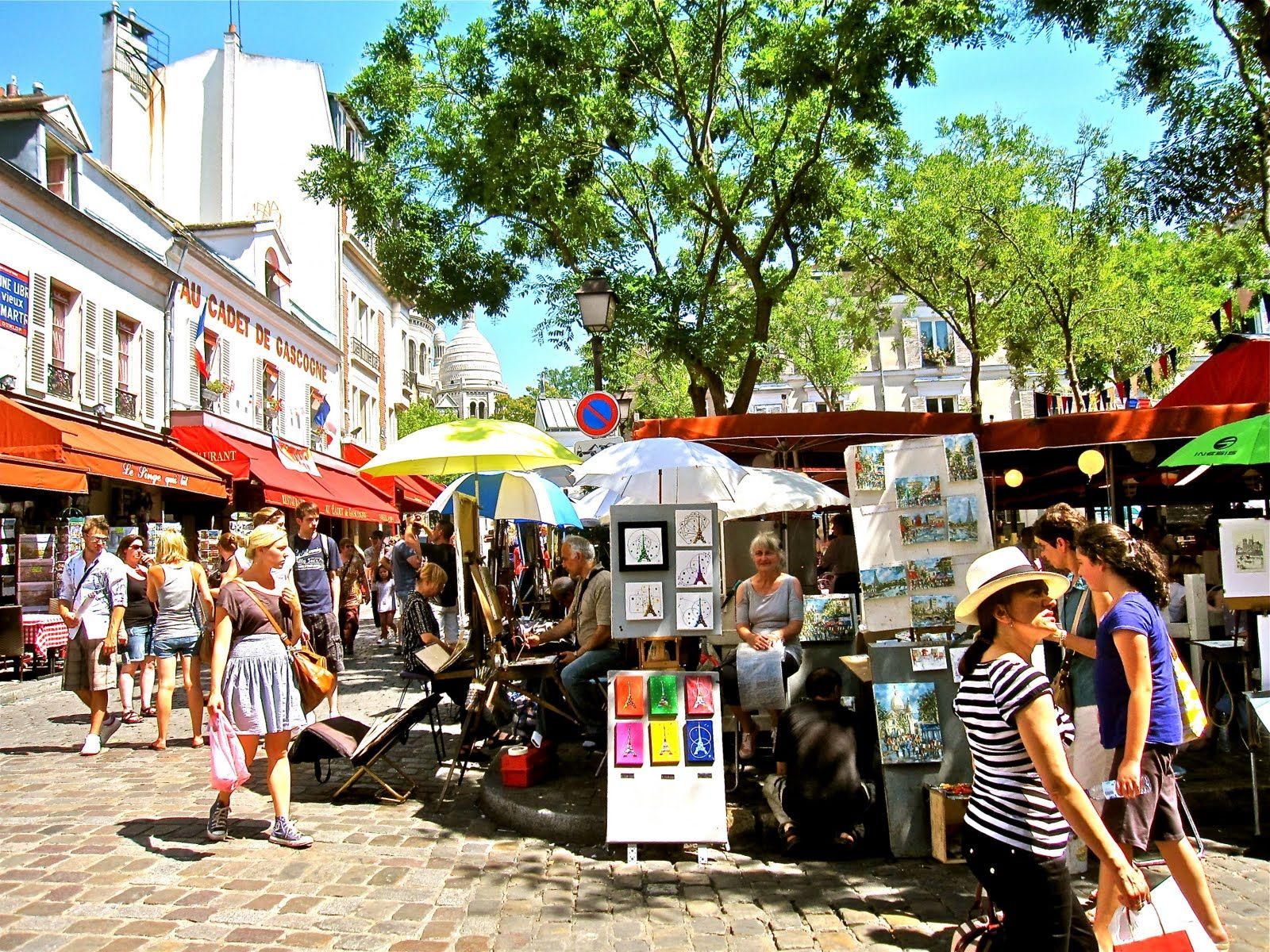Artists square Montmartre LEMONICAL