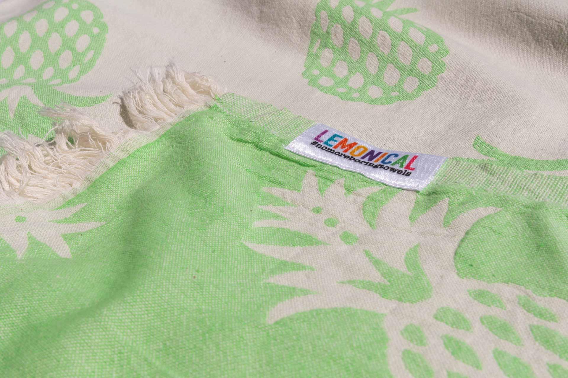 кърпа за плаж ананас отблизо