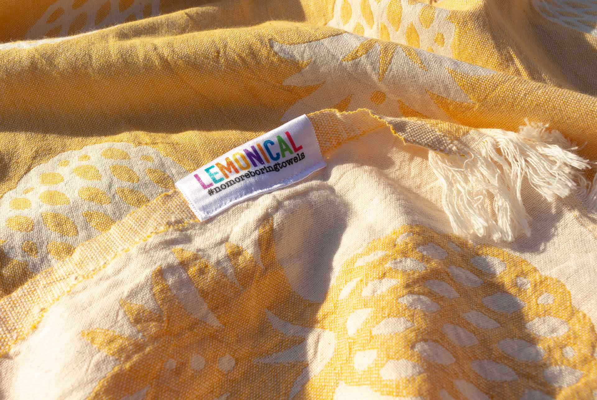 YELLOW ANANAS Towel LEMONICAL 2