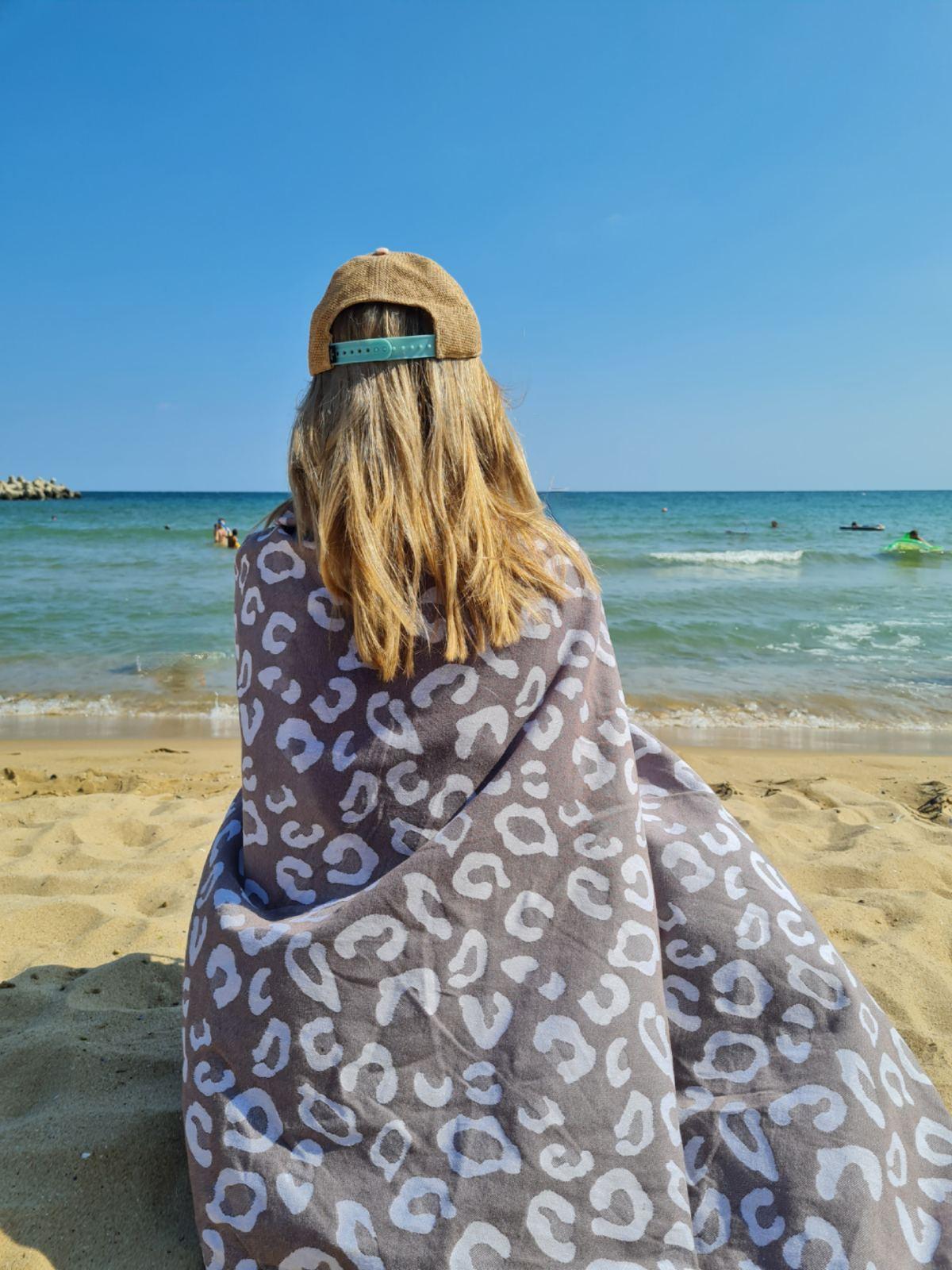 принт на петна кърпа плаж